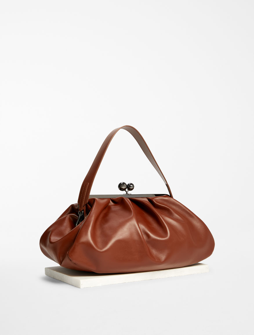 Maxi leather Pasticcino Bag Weekend Maxmara