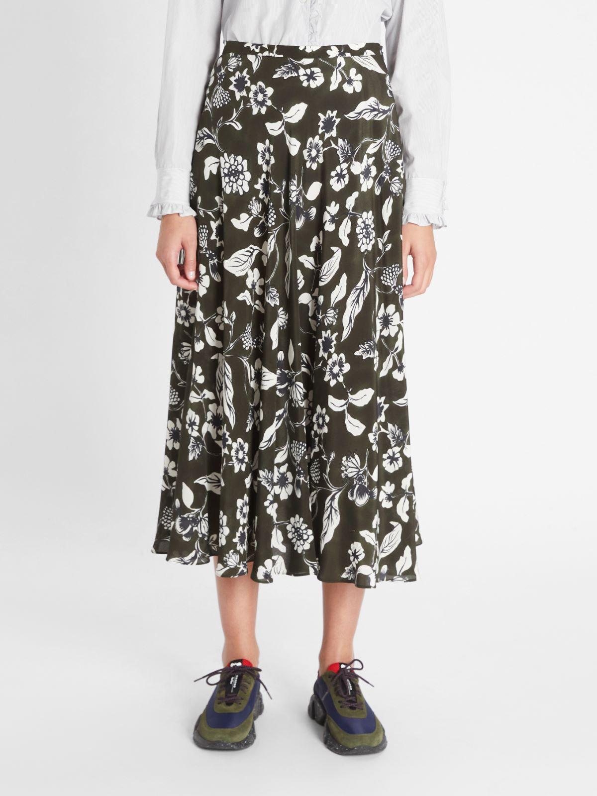 Silk crepe de chine skirt Weekend Maxmara