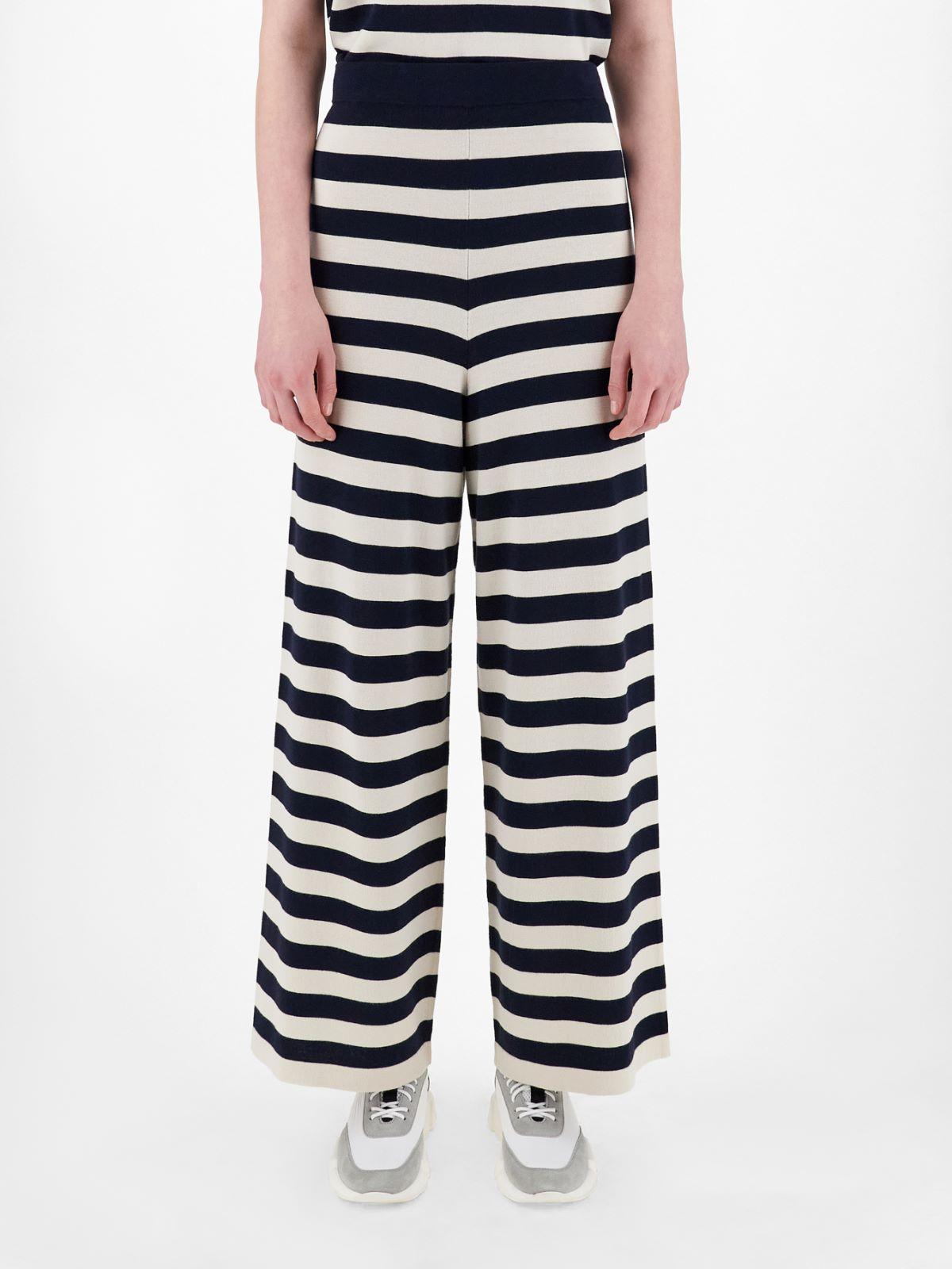 Viscose yarn trousers Weekend Maxmara