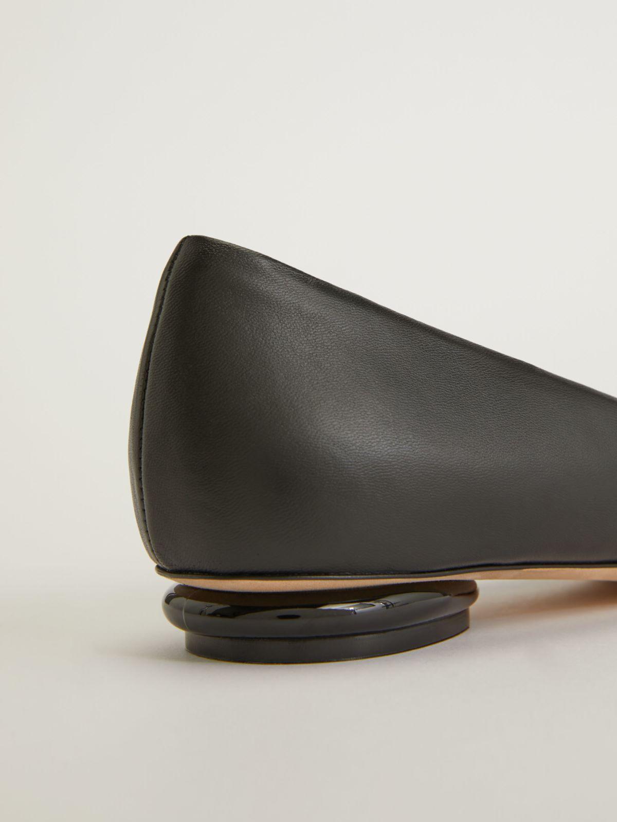 Nappa leather pumps Weekend Maxmara