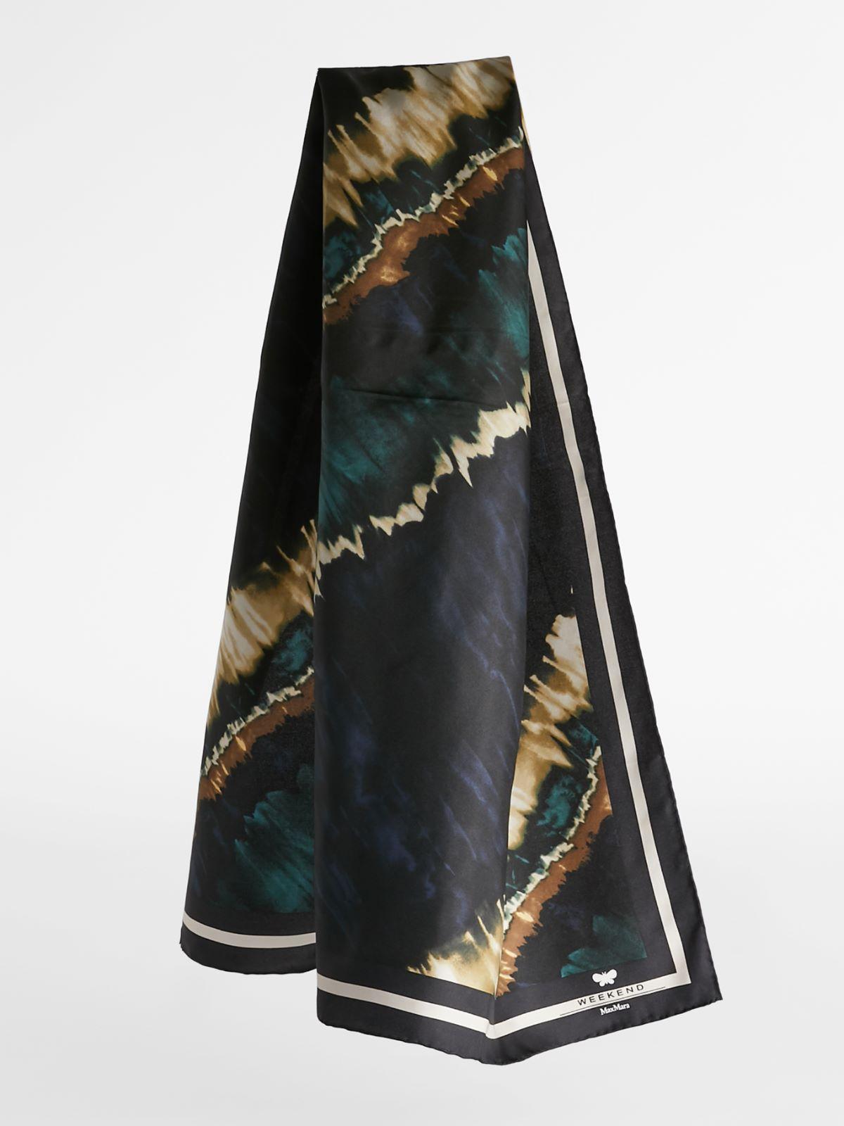 Carrè in printed silk Weekend Maxmara