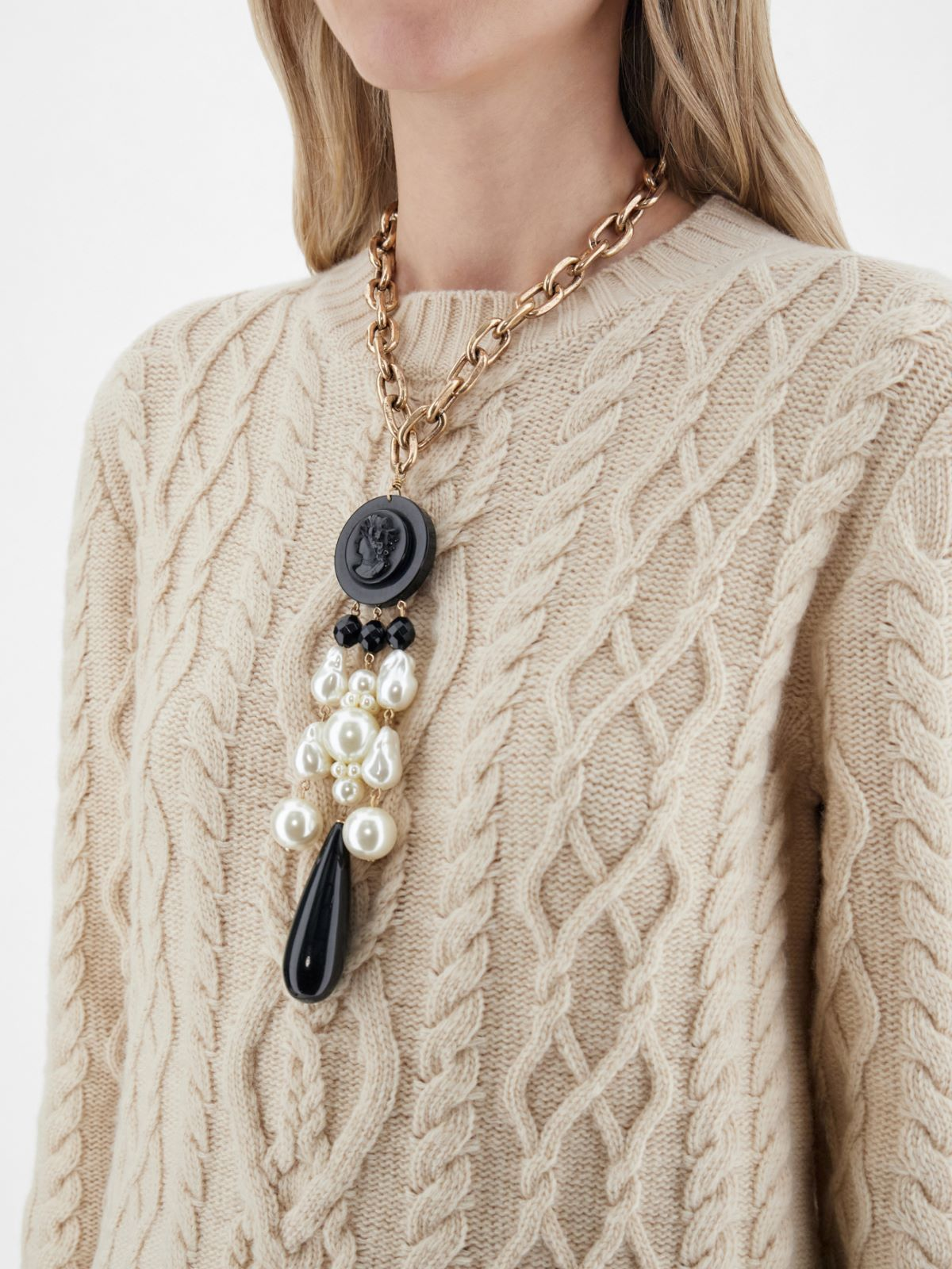 Chain necklace with cameo pendant Weekend Maxmara