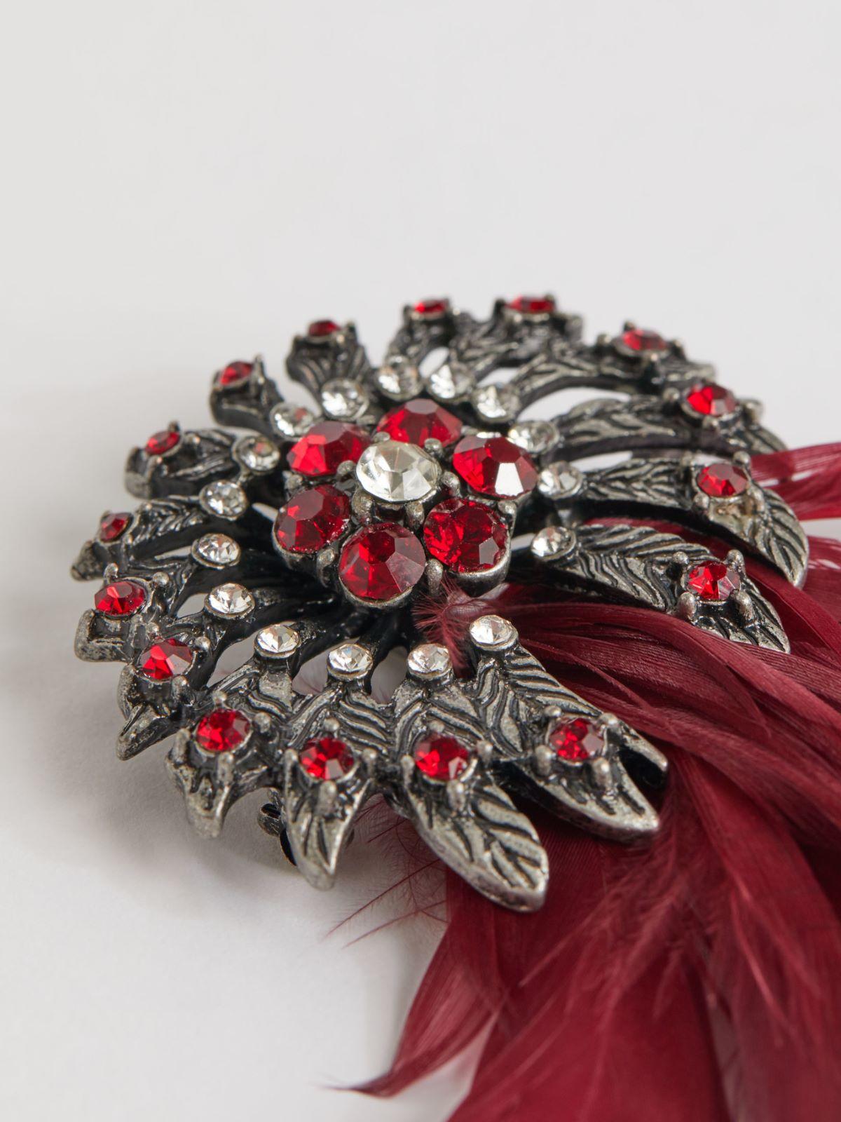 Vintage cabochon brooches with rhinestones Weekend Maxmara